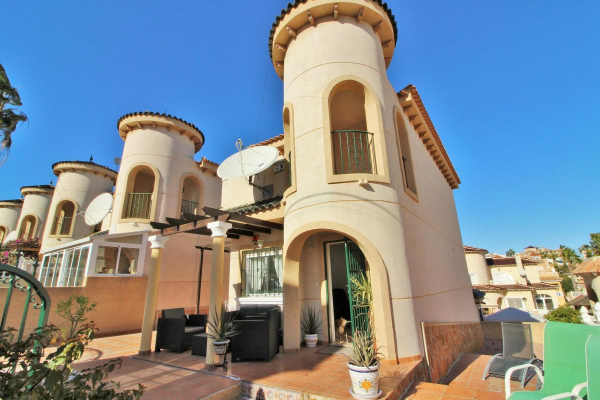3 bed Villa for Sale in El Galan