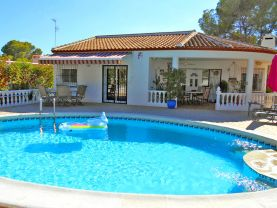 Single Storey Detached Villa & Private Pool