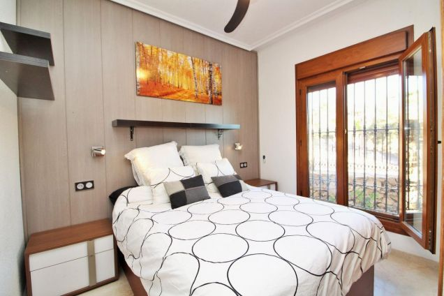 Master bedroom with en-suite showe room